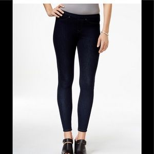Hue mid rise pull-on  jeans XL